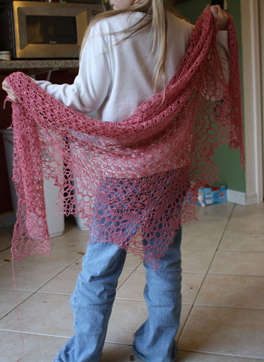 Dahlia Shawl - Interweave Crochet, Spring 2011
